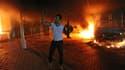 Le consulat américain de Benghazi en flamme après l'attaque qui a provoqué la mort de l'ambassadeur et de 3 de ses collaborateurs