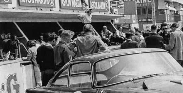 Une légende de la course dans les années 60. Cette réédition ne sera d'ailleurs pas homologuée pour la conduite sur route.