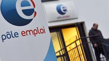 Quelque 215 agents Pôle emploi réalisent en moyenne 12.000 contrôles par mois.