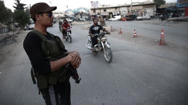 Un rebelle pro-turc à Afrine.