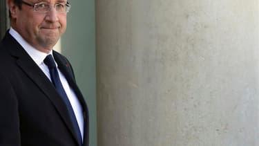 Trois Français sur quatre seraient mécontents de François Hollande, seulement 11 mois après son arrivée à l'Elysée, ce qui constitue un record sous la Ve République, selon un sondage Ifop pour le Journal du Dimanche (JDD). /Photo prise le 18 avril 2013/RE
