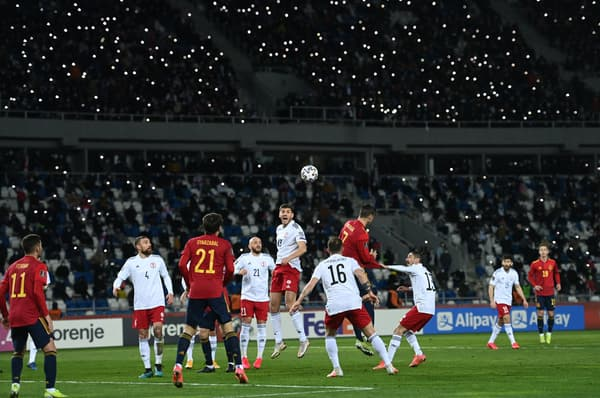 Georgia y España jugaron ante 18.000 espectadores