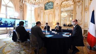 Le gouvernement durant sa visioconférence avec les représentants des principaux cultes.