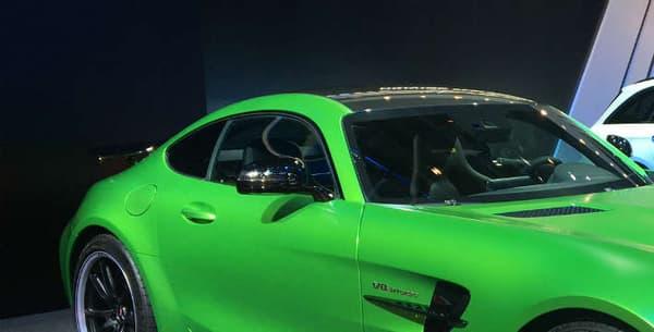 L'AMG GT R sur le stand Mercedes au Mondial de l'Automobile.
