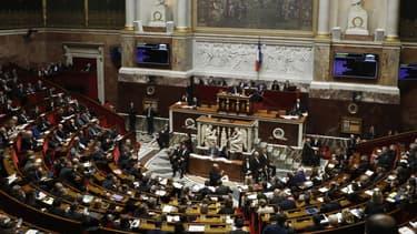Le Parlement a adopté dimanche soir le projet de loi d'urgence sanitaire pour lutter contre le coronavirus (PHOTO D'ILLUSTRATION)