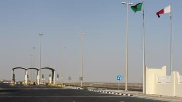 L'unique frontière terrestre entre le Qatar et l'Arabie Saoudite a été fermée.