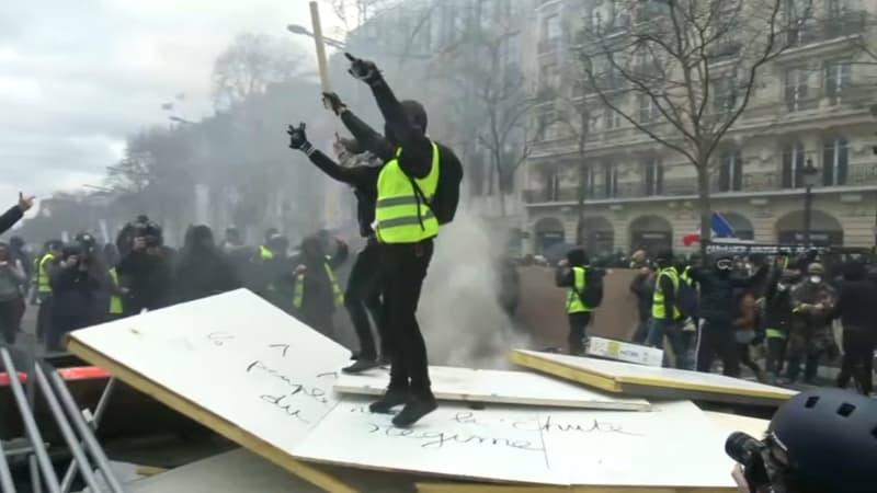 Manifestations des gilets jaunes à Lyon: un homme interpellé pour avoir dégradé des banques