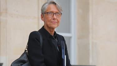 """""""Aujourd'hui, on dit clairement aussi aux Italiens qu'il faut que cette décision vienne"""", a déclaré Elisabeth Borne sur Public Sénat."""