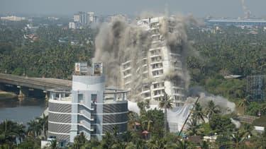 Destruction d'un immeuble le 11 janvier qui violait les lois environnementale en Inde