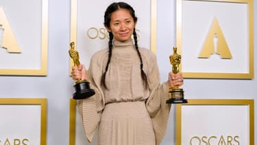 Chloé Zhao le 25 avril à l'issu de la 93e cérémonie des Oscars
