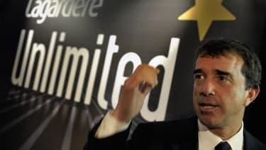 """Arnaud Lagardère, lors de la présentation à la presse de """"Lagardere Unlimited"""" en mai 2010 (Crédit: Reuters/Philippe Wojazer)"""