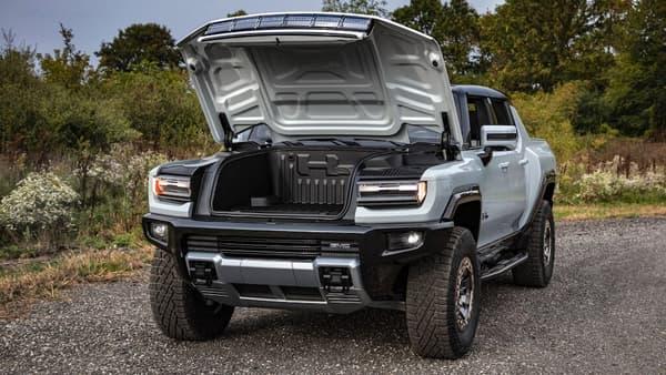 Le frunk (ou coffre avant) du Hummer EV