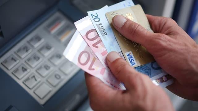 Ce sont 34% des victimes de débits bancaires frauduleux qui ont déclaré avoir été escroqués d'un montant inférieur à 100 euros.