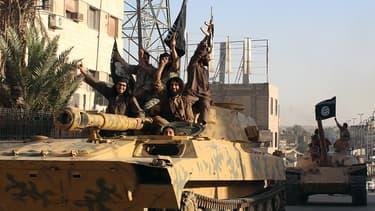 Des membres de Daesh à Raqqa, en Syrie, sur une image de propagande diffusée en juin 2014.