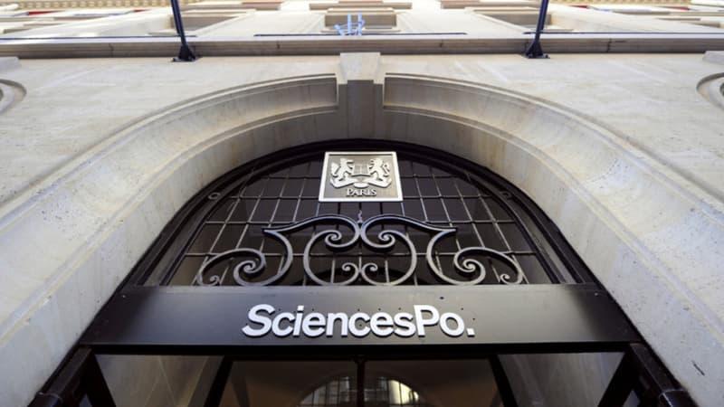 La France se penche sur la question d'un migrant admis à Sciences Po mais bloqué en Grèce