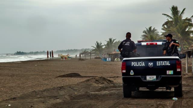 La côte Pacifique du Mexique se prépare à l'arrivée de l'ouragan Patricia.