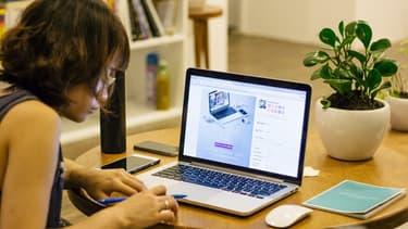 Les Français estiment mieux travailler et trouver plus d'intérêt à leur job quand ils ont la possibilité de rester chez eux ou de fréquenter des espaces de coworking.