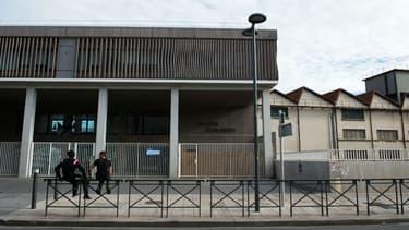 Entrée du collège Rosa Parks, à Marseille, en décembre 2014
