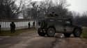 Les troupes russes encerclent une unité militaire ukrainienne en Crimée, le 20 mars 2014. (Illustration)
