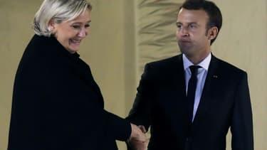 Marine Le Pen et Emmanuel Macron à l'Élysée à Paris, le 21 novembre 2017