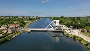 Un soldat britannique s'est noyé samedi en voulant traverser à la nage un canal.