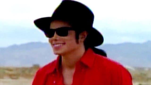 """Le clip d'""""A Place With No Name"""" de Michael Jackson contient de vieilles images du roi de la pop."""