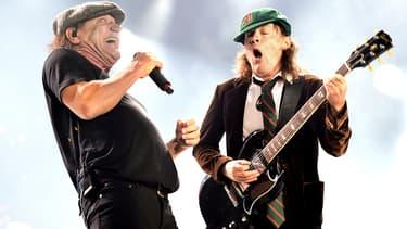 Brian Johnson et Angus Young du groupe AC/DC sur scène en septembre 2015