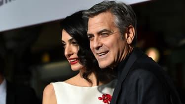 """George Clooney et son épouse Amal à la première de """"Avé César"""" à Los Angeles le 1er février 2016"""