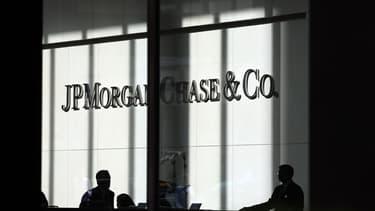 JPMorgan Chase avait déjà supprimé 8.000 emplois dans l'immobilier l'an dernier.