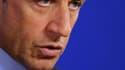 """Nicolas Sarkozy a déclaré vendredi qu'il annoncerait """"le moment venu"""" des initiatives pour répondre aux inquiétudes des Français et qu'il entendait auparavant """"prendre le temps"""" d'y réfléchir. /Photo prise le 29 octobre 2010/REUTERS/François Lenoir"""