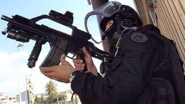 Membre du GIPN à Cannes, lors du coup de filet anti-terroriste du 6 octobre 2012