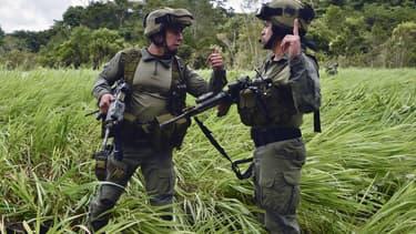 Deux policiers colombiens (photo d'illustration)