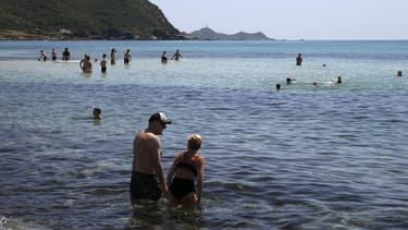 Réouverture des plages dans les environs d'Ajaccio, en Corse, le 21 mai 2020