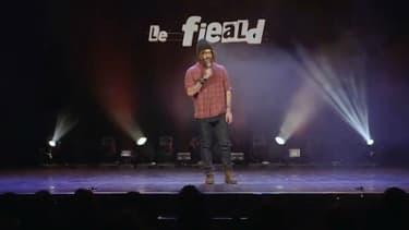 Un humoriste se paye Kev Adams sur scène.