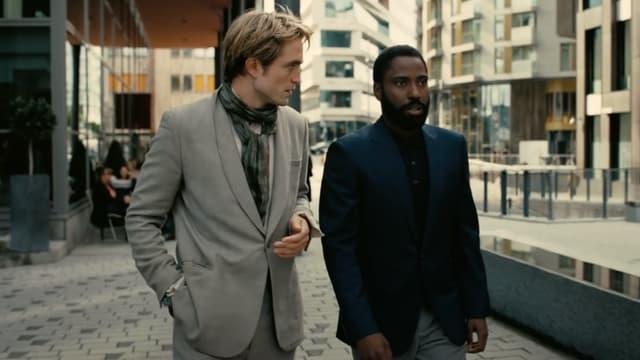 "Robert Pattinson et John David Washington dans ""Tenet"""