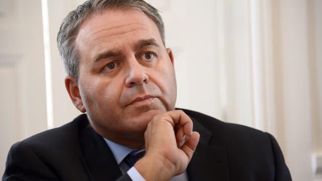 """Xavier Bertrand s'est prononcé, ce vendredi, pour un référendum dès 2017 """"sur la question de l'immigration comme de la nationalité"""", dans un interview accordée au Figaro."""