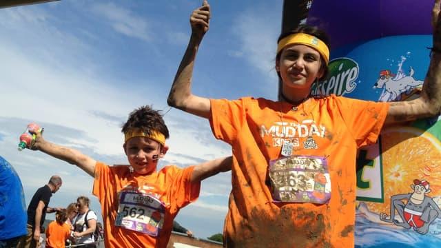 Ethan et Ilana, Mud Kids aujourd'hui, probables sportifs et runners demain.