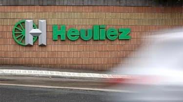 L'équipementier automobile Heuliez, qui est à la recherche d'un repreneur pour assurer sa survie, a été placé vendredi en redressement judiciaire, avec une période d'observation de six mois. /Photo d'archives/REUTERS/Stéphane Mahe