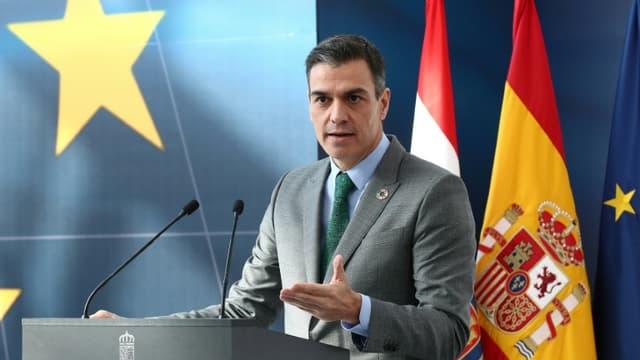 Le chef du gouvernement espagnol Pedro Sánchez en conférence de presse le 20 novembre 2020
