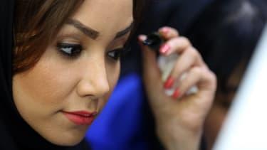 Les Iraniennes achètent trois fois plus de mascara que les Françaises.