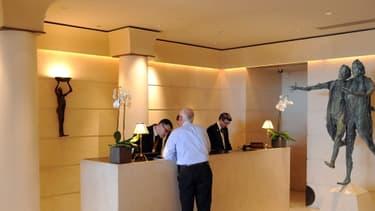 Les établissement de luxe, comme ici l'hotel Park Hyatt de Paris, devraient être plus lourdement taxés.