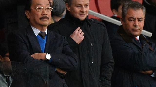 Solskjaer et Vincent Tan, propriétaire de Cardiff