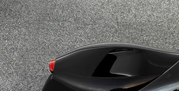 La Ferrari LaFerrari Spider sera l'une, si ce n'est LA, nouveauté du Mondial de Paris fin septembre.
