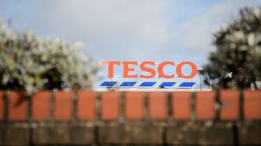 Tesco a surévalué ses prévisions de profits pour le semestre de 317 millions d'euros.