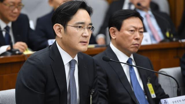 L'héritier Samsung a finalement été placé en détention provisoire.