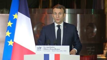 Lors d'un déplacement dans une usine du Creusot ce mardi, Emmanuel Macron a annoncé que le futur porte-avions français, qui remplacera le Charles de Gaulle, sera à propulsion nucléaire.