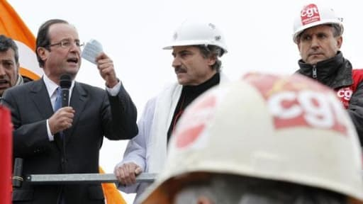 François Hollande au milieu des ouvriers de Florange, le 24 février 2012.