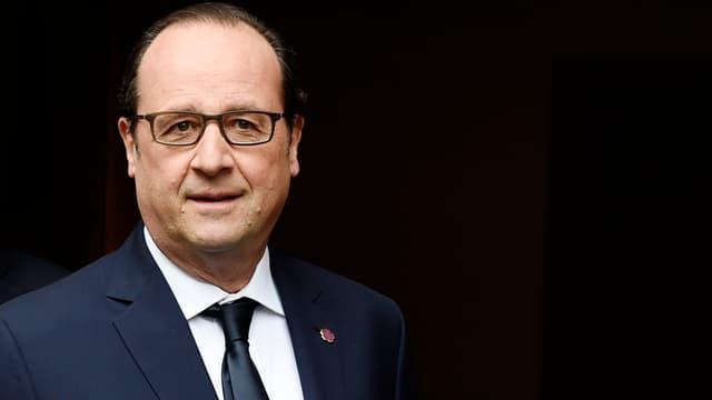 """François Hollande a brandi la menace de conséquences """"diplomatiques"""" en cas d'exécution du Français Serge Atlaoui en Indonésie."""