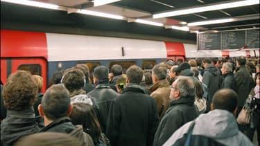 La ligne A du RER est stratégique: c'est celle qui transporte le plus de voyageurs en Europe