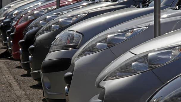 Deux syndicats de PSA Peugeot Citroën, FO et la CFTC, ont donné leur aval au projet d'accord social.